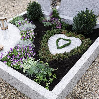 Grabgestaltung bei Friedhofsgärtnerei Weisz in Wien